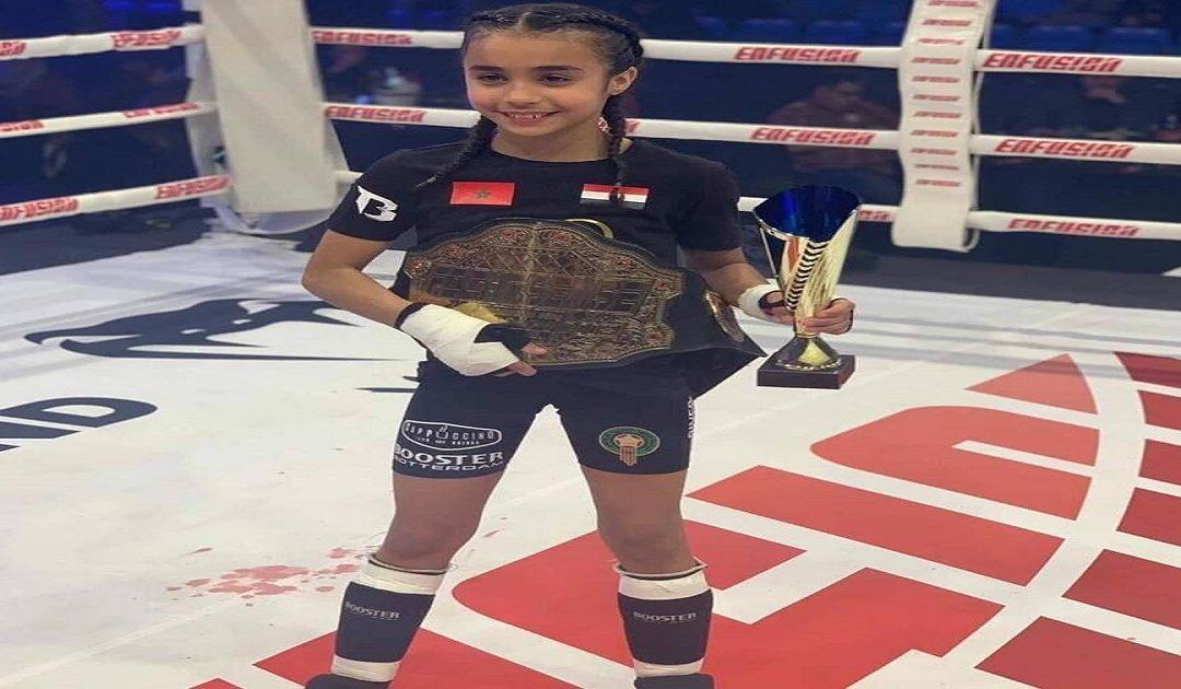 """إبنة مدينة وجدة """"طهري"""" تفوز بكأس العالم للمرة الثالثة في رياضة الكيك بوكسينغ"""
