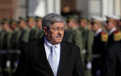 """رئيس الحكومة الجزائري السابق """"أويحيى"""" أمام القضاء"""