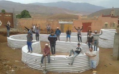 شباب المدرسة الحسنية للأشغال العمومية يشيدون مبنى إيكولوجي لفائدة المتمدرسين بضواحي ورزازات