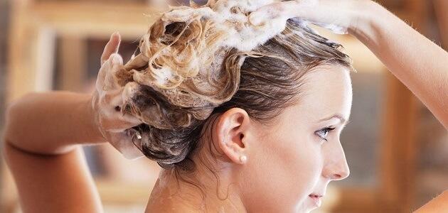 هذا عدد المرات التي يجب أن تغسل فيها شعرك