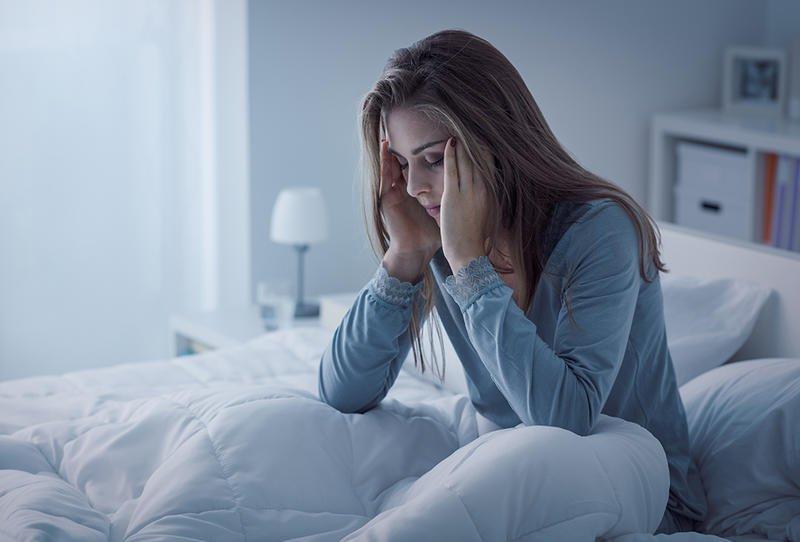 هذه خطورة قلة النوم والإجهاد في العمل