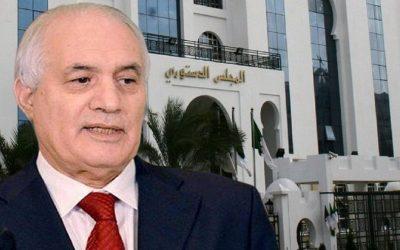 """رئيس المجلس الدستوري الجزائري """"بلعيز"""" يقد م إستقالته"""