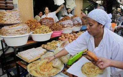 """تمارة..هكذا تصبح """"المهن الموسمية"""" مورد رزق لعدد كبير من النساء خلال شهر رمضان"""