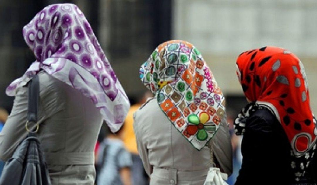 اعتماد مجلس الشيوخ الفرنسي حظر ارتداء الرموز الدينية على أولياء التلاميذ يثير الجدل في فرنسا