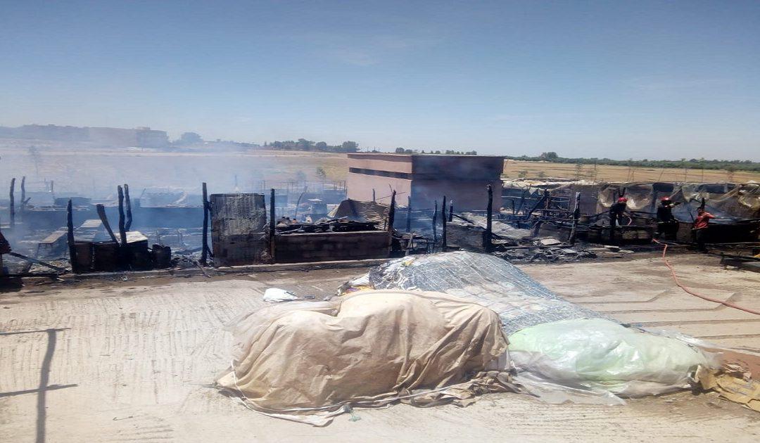 إندلاع حريق مهول بأزيد من 70 محل بالسوق الأسبوعي بتحناوت وهذه التفاصيل