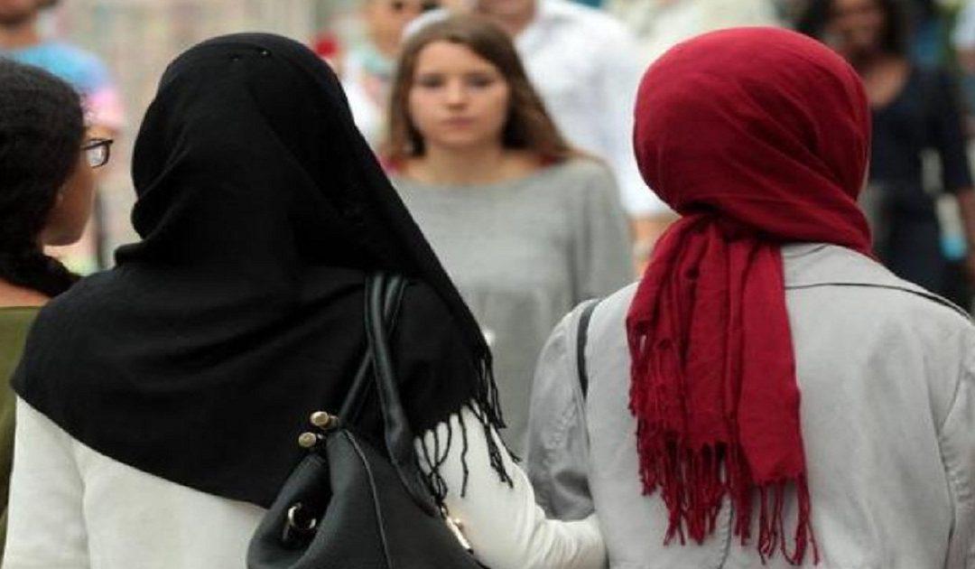 بعد النمسا..ألمانيا تقرر منع الحجاب في المدارس الابتدائية