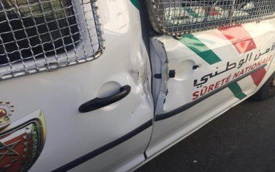 ايقاف قاصر رشق سيارة الامن بالحجارة واستعمال السلاح الابيض للسرقة بالعيون