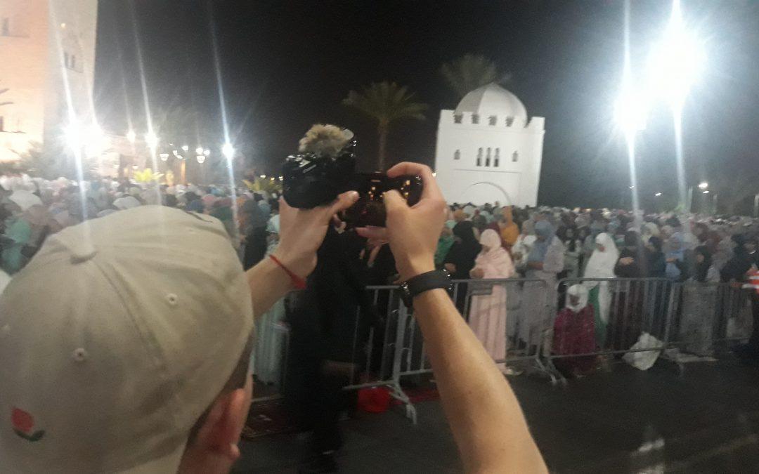 إستياء بسبب توالي التقاط الصور للنساء في صلاة التراويح بمسجد الكتبية مراكش