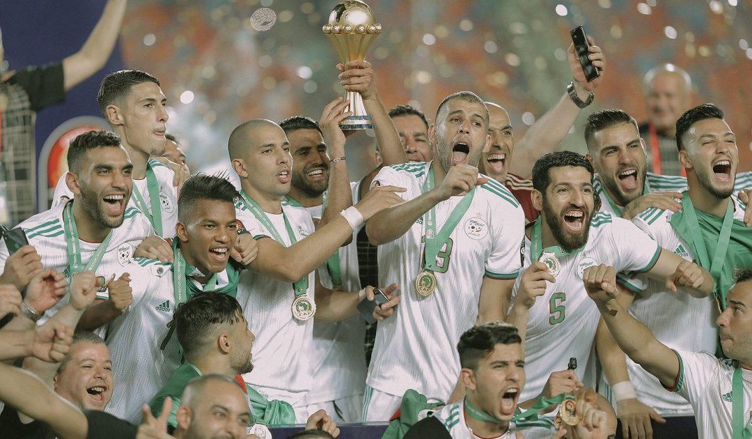 الجزائر تستقبل أبطالها بعد التتويج القاري الثاني في تاريخها