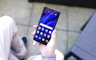 """رغم الحصار الأمريكي """"هواوي"""" يفوز للمرة الثانية بجائزة أفضل هاتف ذكي لعام 2019"""