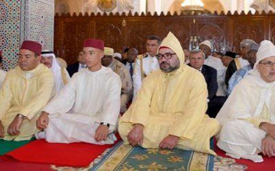 جلالة الملك محمد السادس يؤدي صلاة الجمعة بمراكش
