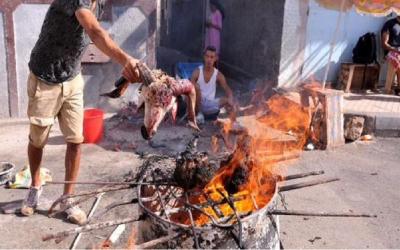 طنجة: السلطات المحلية تقرر منع شيّ رؤوس الأضاحي يوم العيد