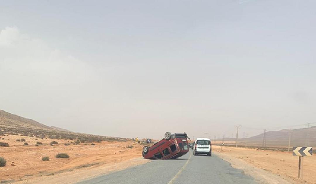 انقلاب سيارة بطانطان في حادثة سير لم تسفر عن سقوط ضحايا