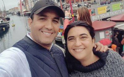 رشيد الوالي يحتفل بذكرى زواجه رفقة زوجته ابتسام بمدينة العشاق