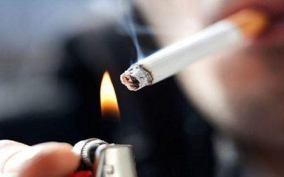 علماء يكشفون التأثير المدمر للتدخين على شكل الوجه