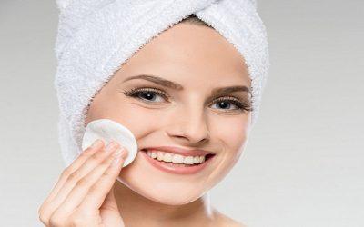 3 خطوات هامة لتنظيف البشرة الدهنية