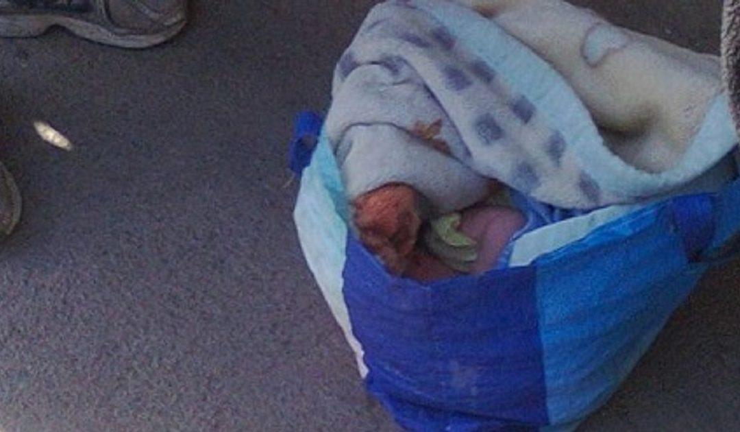 مواطنون يعثرون على رضيع حديث الولادة بأحد شوارع دمنات