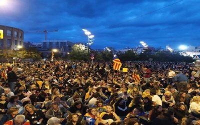 إقليم كاتالونيا: إضراب عام في برشلونة الجمعة وتواصل الاحتجاجات الليلية