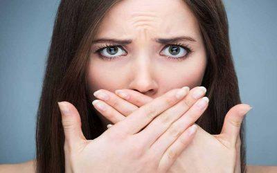 3 نصائح للتخلص من رائحة الفم الكريهة