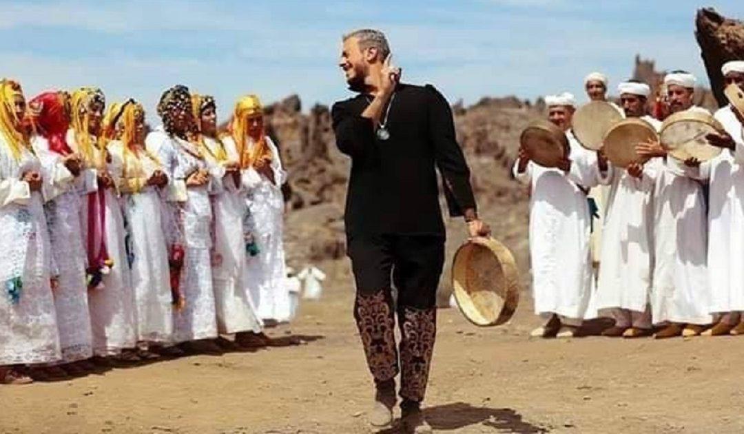 """سعد لمجرد يفاجئ جمهوره بـ """"الهواريات"""""""