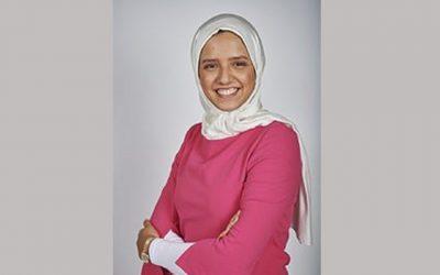 التلميذة المغربية فاطمة الزهراء أخيار تتأهل لنهائي برنامج تحدي القراءة العربي