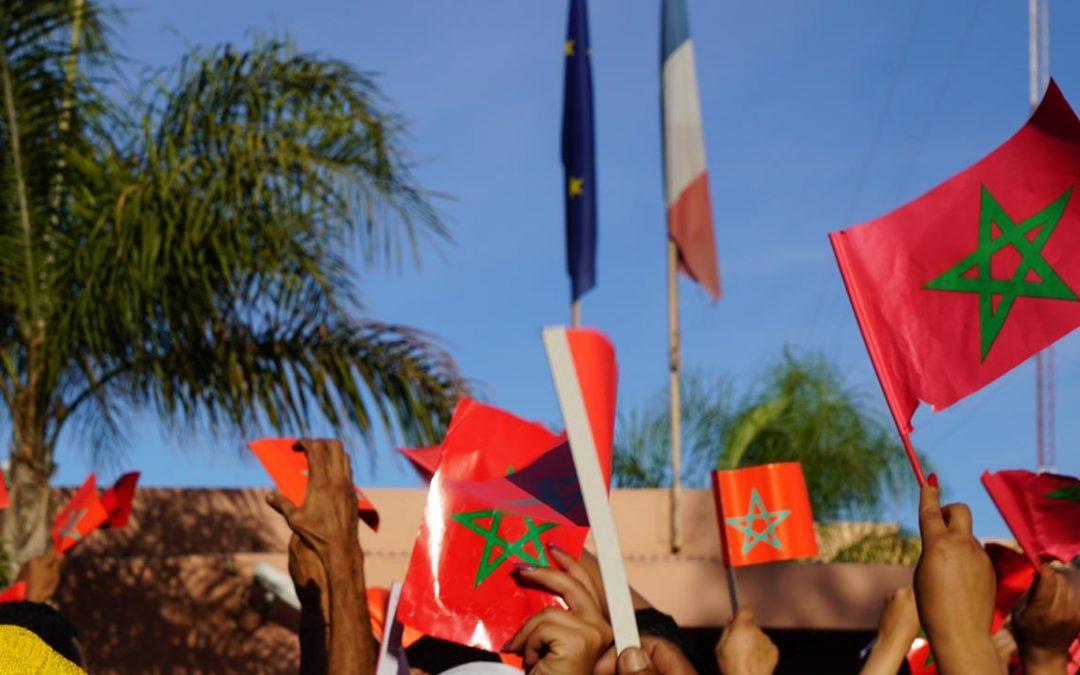 تجمع كبير بباريس من أجل الدفاع عن قدسية العلم الوطني