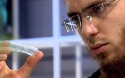 """المخترع المغربي يوسف العزوزي يفوز بمسابقة """"نجوم العلوم"""""""