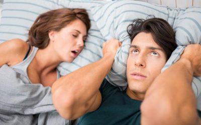 علماء يكشفون عن تأثير الشخير على صحة المرأة