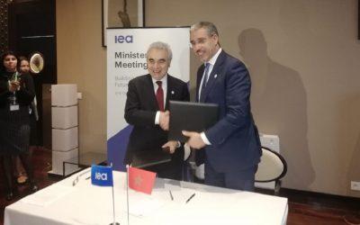 الرباح يوقع على برنامج عمل مشترك مع الوكالة الدولية للطاقة لتطوير الطاقات المتجددة بالمغرب