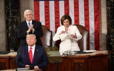 بالفيديو..بيلوسي تُمزق خطاب ترامب أمام العالم