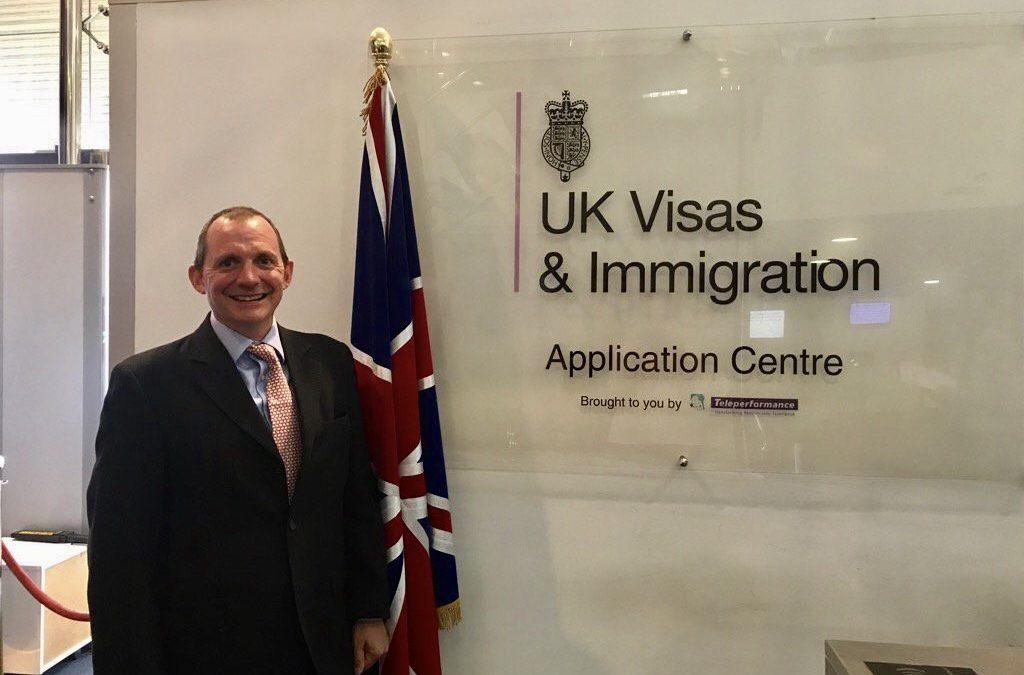 """السفير البريطاني يعبر عن إستيائه من خدمات """"لارام"""""""