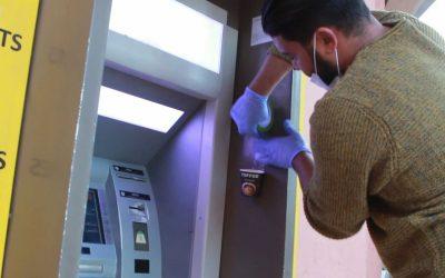 برافو شباب مغربي يبتكر طريق للوقاية من فيروس كورونا بالصرافات البنكية
