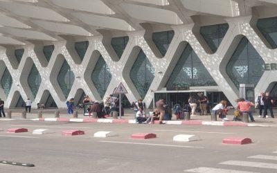 الحكومة تقرر السماح للمغاربة والمقيمين الأجانب بالولوج إلى المغرب
