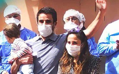 """أسرة فرنسية تغادر مستشفى الرازي بمراكش بعد ثبوت شفاءها من """"كورونا"""""""