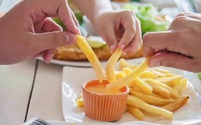 أطعمة تسبب الاضطرابات المعوية في رمضان
