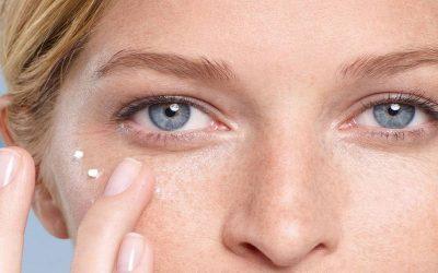 نصائح وطرق فعالة للعناية بمحيط العينين