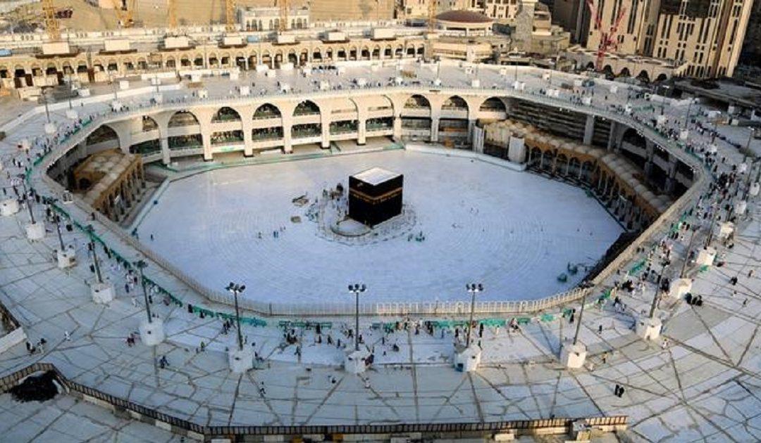 من بينها منع تقبيل الحجر الأسود .. السعودية تكشف عن التدابير الصحية الخاصة بأداء مناسك الحج في زمن كورونا