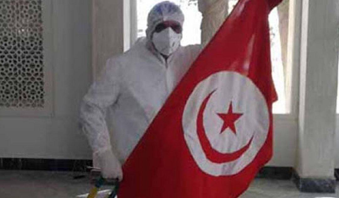 بسبب التدافع على اللقاح..اقالة وزير الصحة التونسي