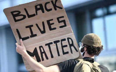 بعد امريكا..احتجاجات نبذ العنصرية تصل أوروبا