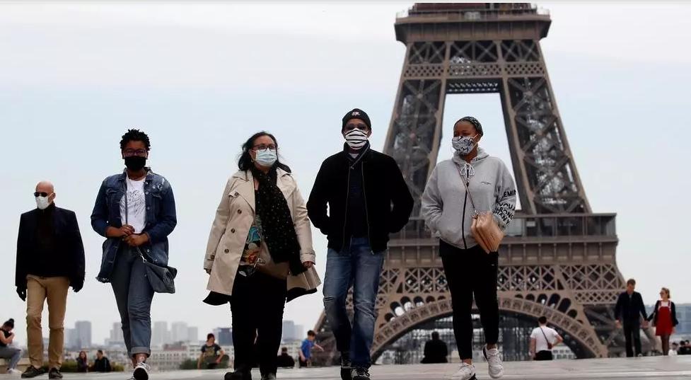 فرنسا تعلن السيطرة على وباء كورونا