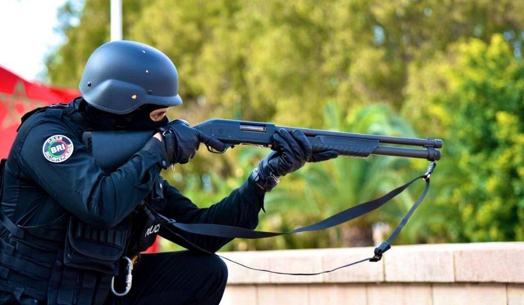 طنجة .. إشهار السلاح يوقف شخصين رفضا الامتثال للأمن وعرضا سلامة المواطنين للخطر