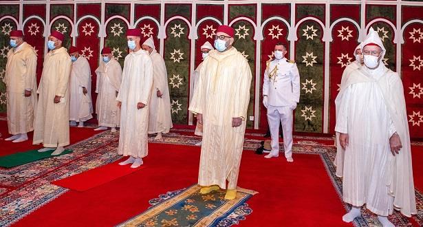 أمير المؤمنين يؤدي صلاة عيد الأضحى المبارك ويقوم بنحر أضحية العيد