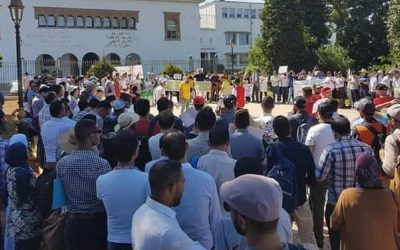 حاملي الشهادات يقررون التصعيد ضد أمزازي