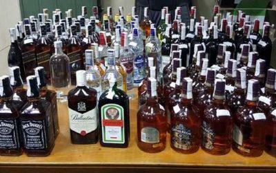 مصالح الأمن تضبط حوالي مليون قنينة مشروبات كحولية مستوردة ومنتجات منتهية الصلاحية في 5 مدن