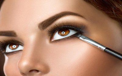7 حيل لتوسيع العينين بالماكياج