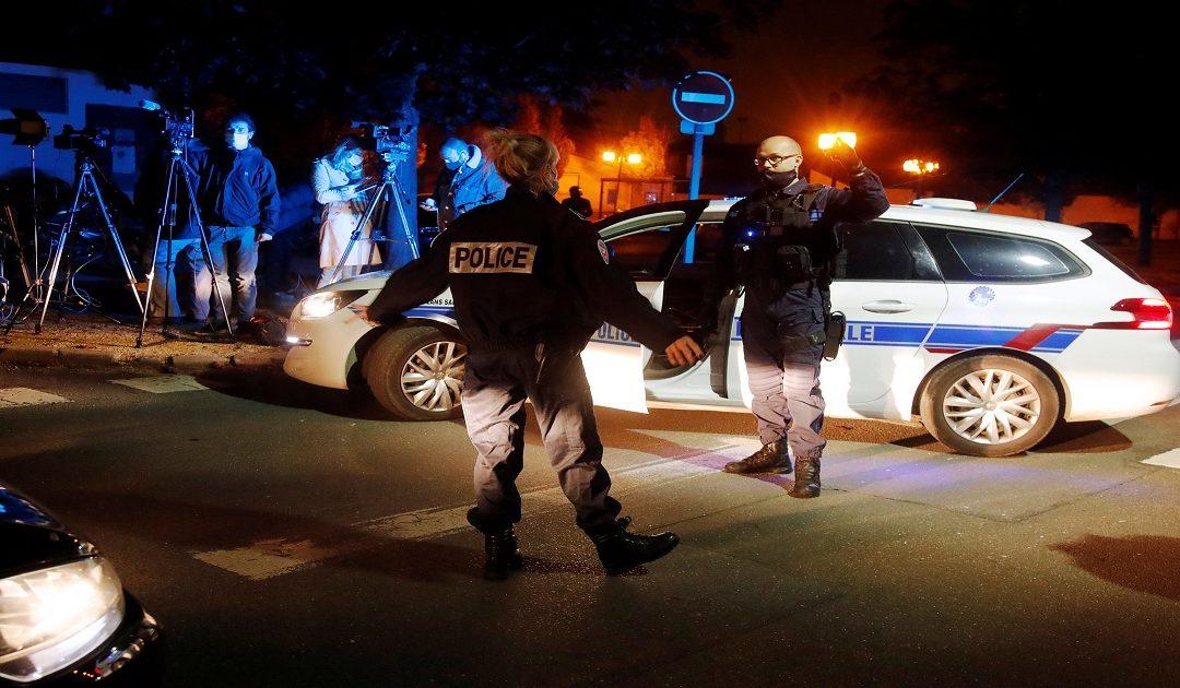 فرنسا تهتز على وقع جريمة قطع رأس لأستاذ مادة التاريخ في الشارع العام