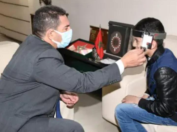 أمزازي يستقبل الطفل المخترع محمد بلال حموتي