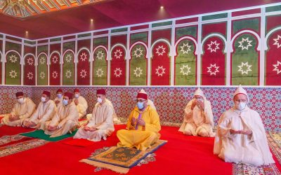 الملك محمد السادس يؤدي صلاة عيد الفطر في احترام تام للإجراءات الوقائية