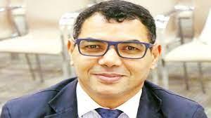 عماد عبد اللطيف يعلن عن موقفه من جائزة الشيخ زايد للشخصية الثقافية.