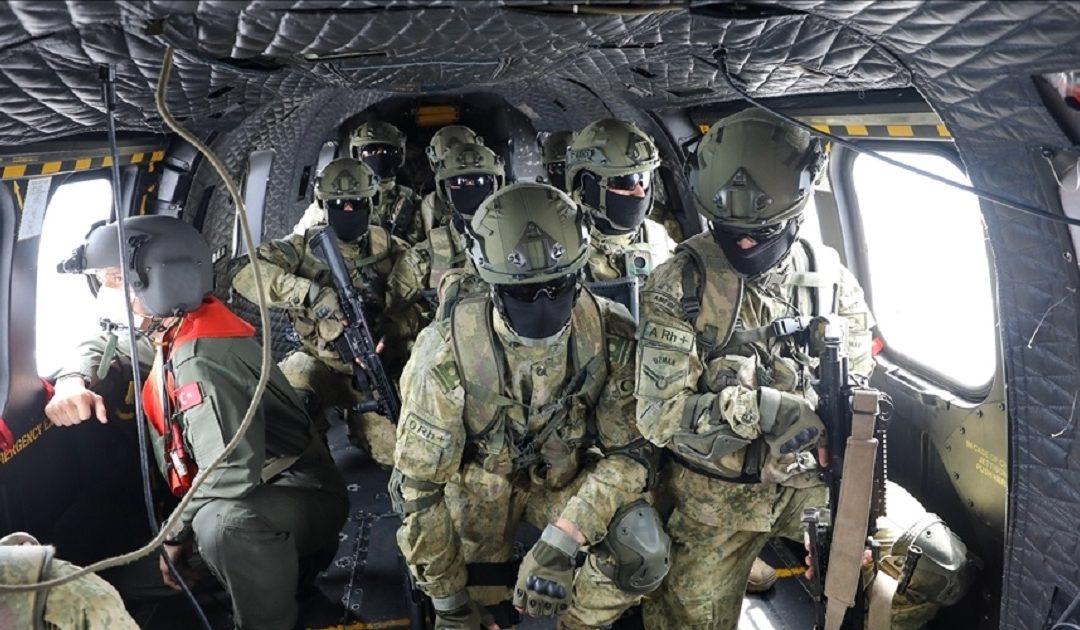"""""""التماسيح"""" تعمل على حماية الحدود البرية والمياة الإقليمية التركية"""